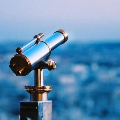 telescope-evening-city-metal-fence-1920x1200